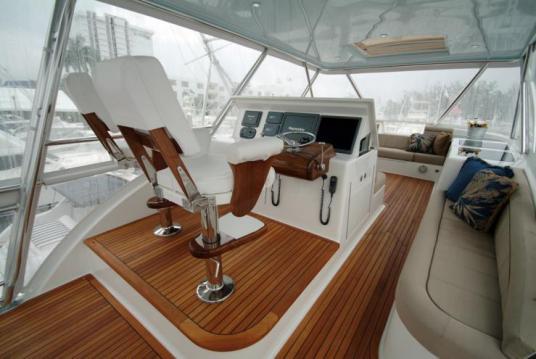 Davis-70-Yacht098-wpcf_739x495