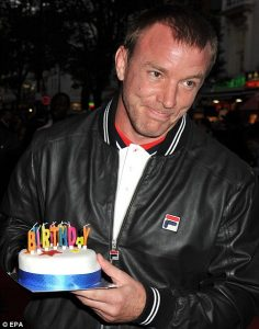 image source: http://www.dailymail.co.uk/tvshowbiz/article-1212718/Guy-Ritchie-enjoys-dream-birthday-Dinner-Jemima-Khan-Top-Gears-Clarkson--impromptu-cake.html