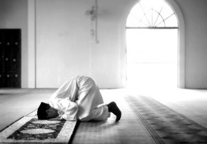 muslim-man-praying-in-a-mosque