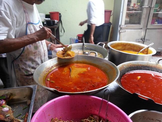 MALAYSIAN'S FAVOURITE-KARI IKAN SEMBILANG MINAH STYLE