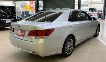 2015 Toyota Crown Majesta full
