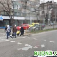 Блъснаха млада жена във Варна