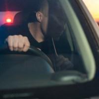 20-годишен шофьор засича и пречи на полицаи