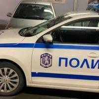 """Полицейска кола заприщи пазаруващи в """"Паркмарт"""" във Варна"""