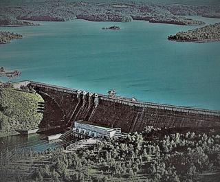 Zapora Solina to największa budowla hydrotechniczna w Polsce. Firma Budokop wykonała dla niej system ASTKZ oraz zautomatyzowane sondy SAAV.