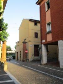 Budrio, l'angolo tra via Zaniboni e via Marconi.
