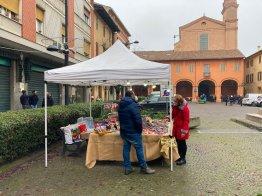 Banchetto in Piazza Filopanti