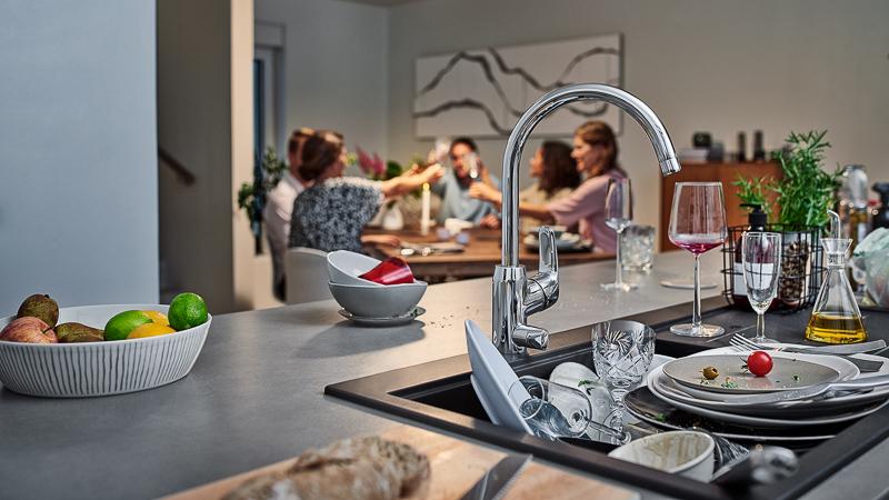 Czy da się polubić zmywanie – 3 sposoby na aranżację kuchni