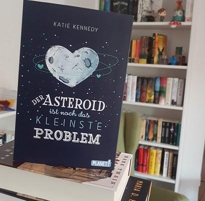 Rezension – Der Asteroid ist noch das kleinste Problem – Katie Kennedy