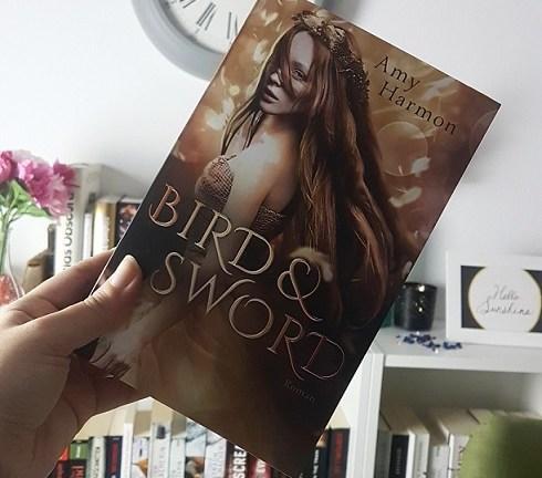 Rezension – Bird and Sword – Amy Harmon