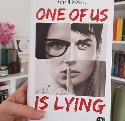 Rezension – One Of Us Is Lying – Karen M. McManus