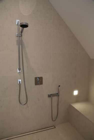 Dusche im OG