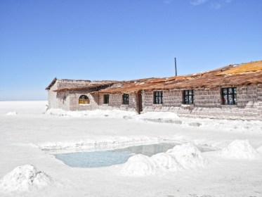 Hotel de sel visier le Salar d'Uyuni en Bolivie