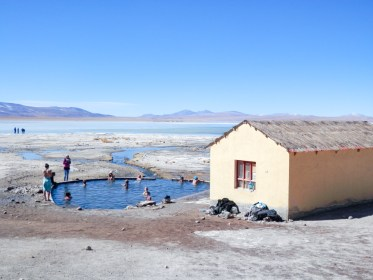 Sources d'eaux chaudes Chalviri visiter le Salar d'Uyuni en Bolivie