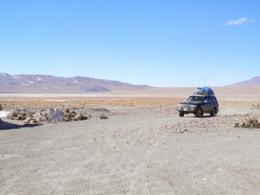 jeep Laguna Colorada visiter le Salar d'Uyuni en bolivie