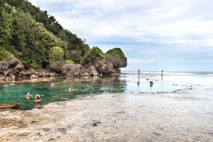 Magpunpungko Rock Pools - île de Siargao aux philippines