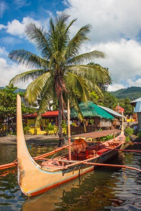 pirogue visiter le volcan taal