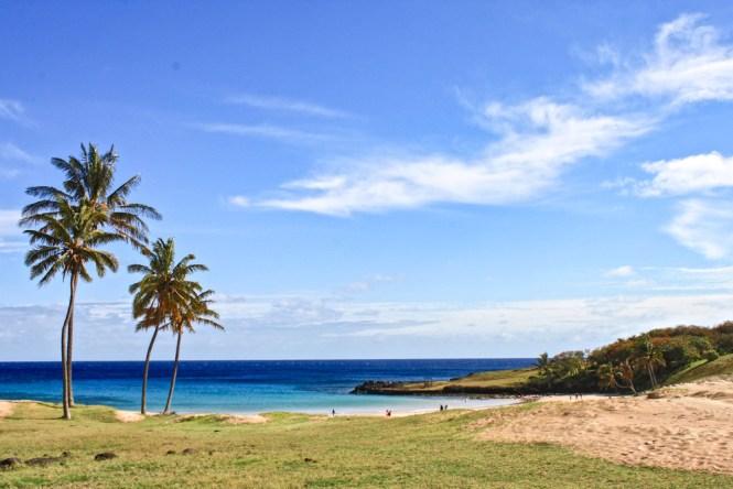 plage Anakena visiter l'île de pâques