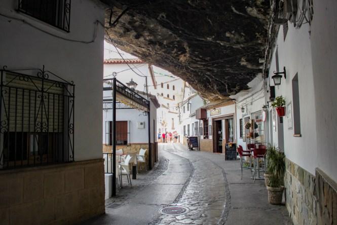 bar dans Calle Cuevas de la Sombra Setenil de las Bodegas andalousie