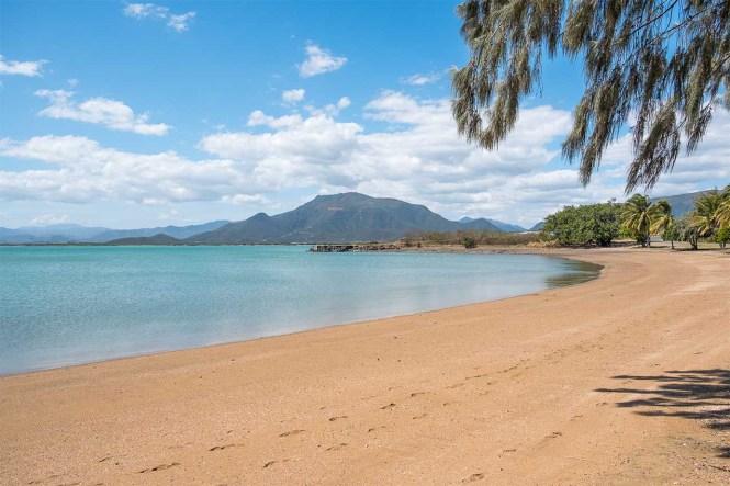 Beach-Gatope-coeur-de-voh-nouvelle-calédonie