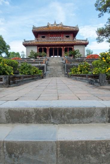 TOMBEAU DE L'EMPEREUR MINH MANG VISITER HUE EN 1 JOUR VIETNAM