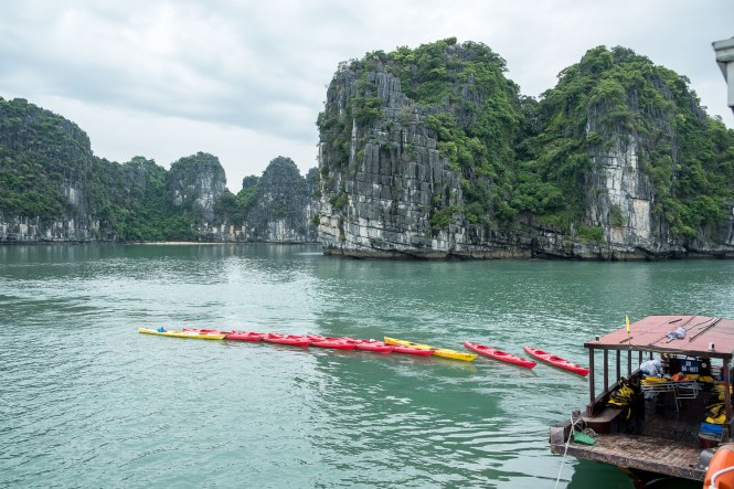 kayak bai tu long vietnam