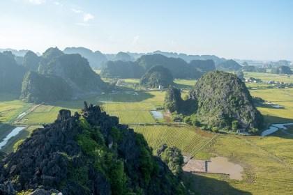 Vue Mua Caves baie d'halong terrestre tam coc