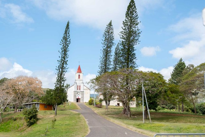 Eglise-pouebo-côte-est-hienghene