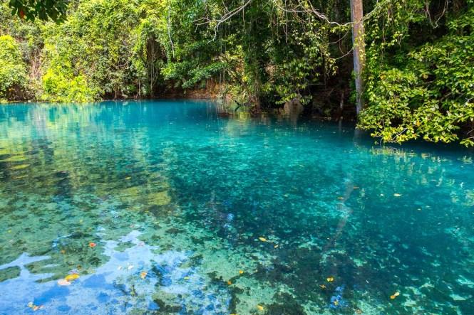 couleurs-Riri-Blue-Hole-Vanuatu-trou-bleu