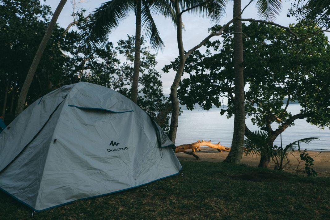 Tente-camping-port-bouquet