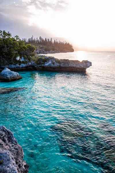 plage-pede-coucher-de-soleil-mare-nouvelle-caledonie