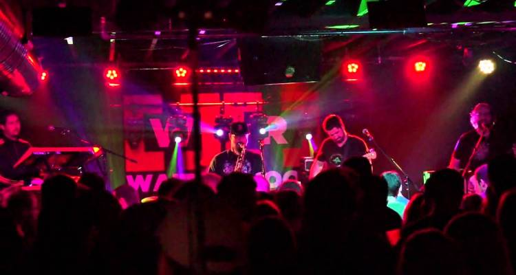 Kung Fu @ Waiting Room – Hollywood Kisses | Love Live Music | Buffalo FM