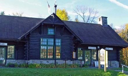 Autumn Magic: Chez Montebello, Québec