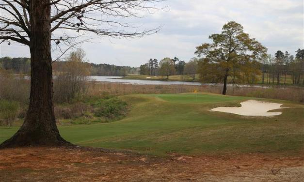 RTJ Golf Trail: The Links that thinks it's a Lakes