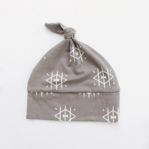 Ojos Knotted Beanie.