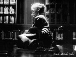 sarah-michelle-gellar-buffy-season-1-the-sweater-book-photoshoot-gq-01_jpg