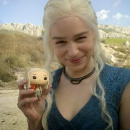 Emilia-Clark-Poses-With-a-Toy-Daenerys-Targaryen-On-The-Set-Of-Game-Of-Thrones