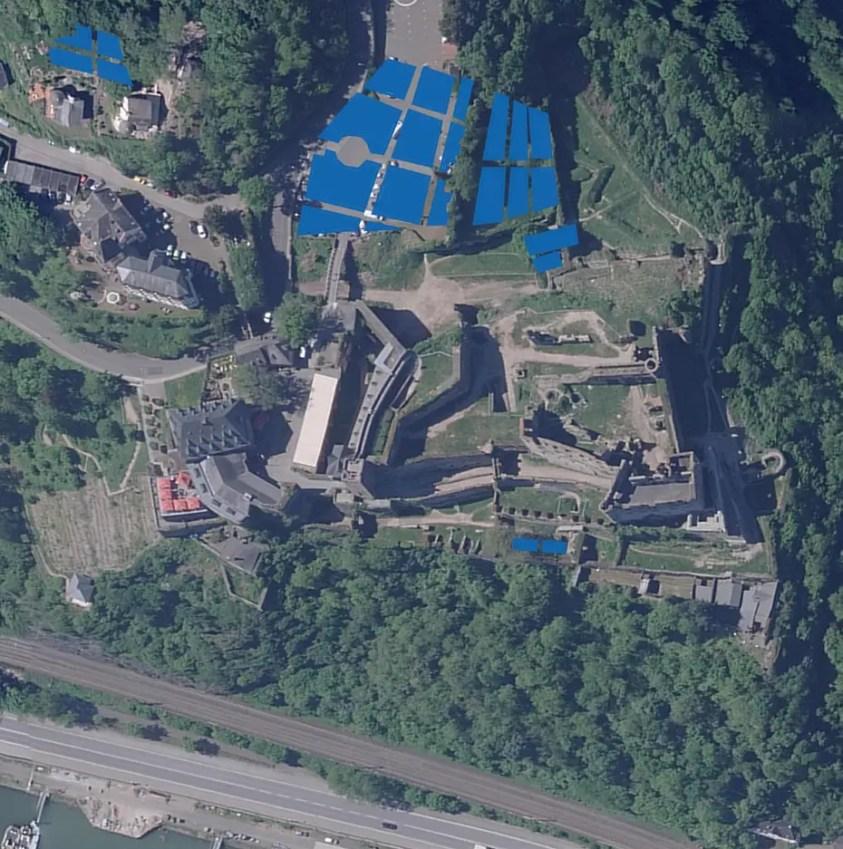 Aktuelles Luftbild der Burg Rheinfels mit Darstellung der Gartenanlagen nach dem Wetzel-Plan.