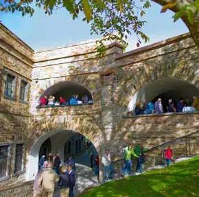 Besucher in der Festung Ehrenbreitstein. (Foto: Piel media)