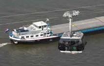 Der Rhein: Verkehr zu Wasser und in der Höhe. (Foto: Piel media)