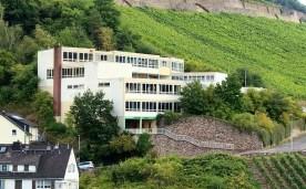 Nikolaus-Schule_Assmannshausen_Rheingau_(01)