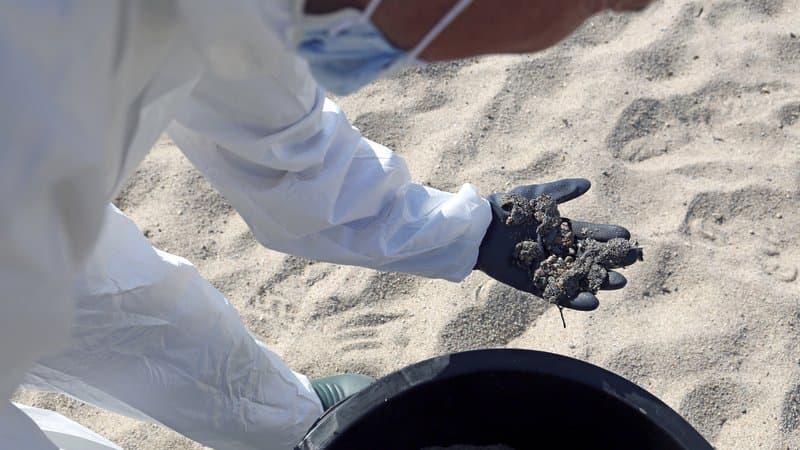 Pollution en Corse: l'essentiel des hydrocarbures récupérés, la côte toujours menacée