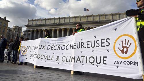 Décrocheurs de portraits d'E.Macron dans l'Ain et à Lyon : la Cour de Cassation casse les condamnations