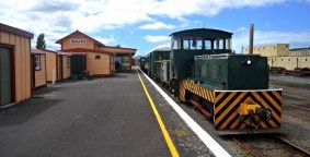 The train with the Waihi station