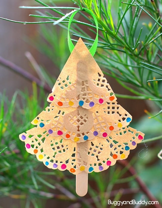 Christmas Tree Ornament Craft For Kids Using Paper Doilies Buggy And Buddy