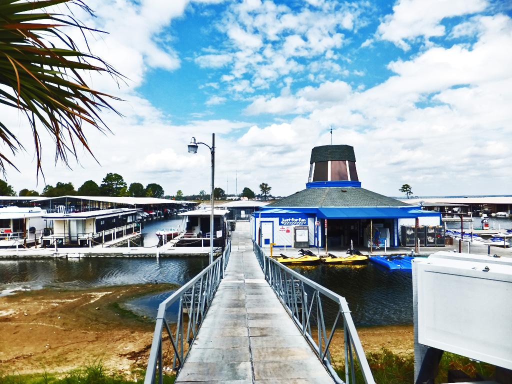 Walden Marina, 7 October 2011, 2:17PM; Marina Docks from Head of Walkway