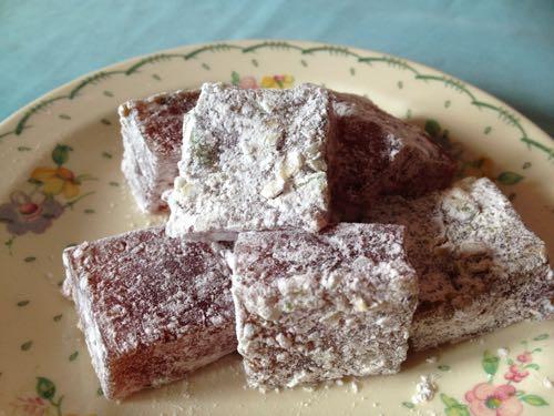 Photo Six by https://www.eatweeds.co.uk/rowan-recipe-turkish-delight
