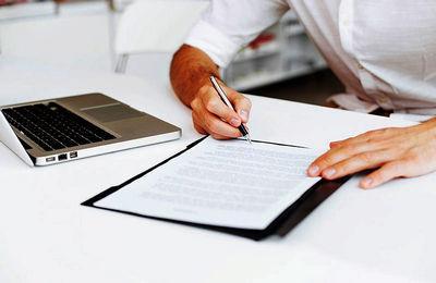 Справка с места работы: в каком случае выдается, для каких целей, образец заполнения, может ли работодатель отказать