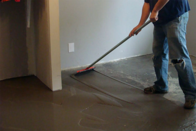 Cooking concrete floor for laying laminate