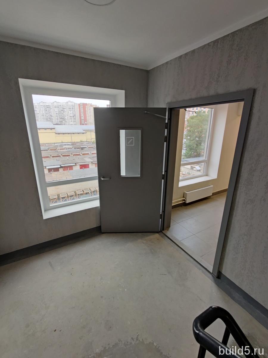 жк жулебино парк сентябрь 2021 окна в лифтовом холле
